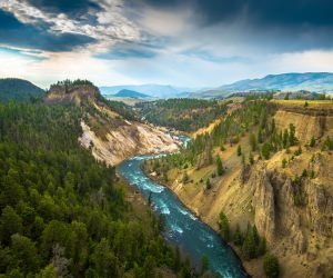 The River, Grand Canyon of Yellowstone National Park, USA Wallpaper