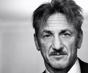 Sean Penn Portrait in Black & White Wallpaper