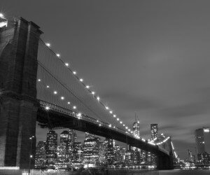 Brooklyn Bridge, New York City in Black & White Wallpaper