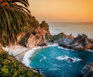 McWay Falls in Big Sur, California, USA Wallpaper